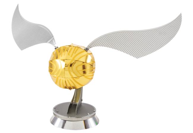 Metal Earth- Golden Snitch Model